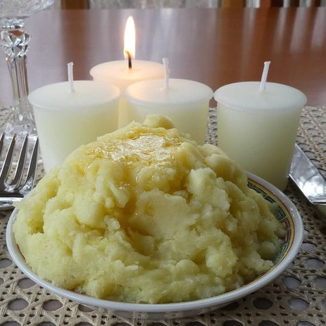 Mashed potato scented candles